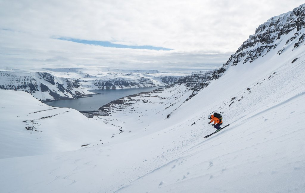 ski to the see in iceland
