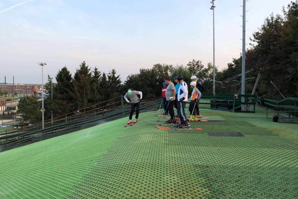 Epique - Buckel Training bij de Wolfskamer Wintersport in Huizen